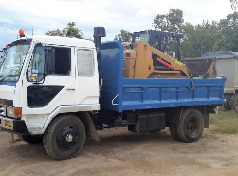 6 Tonne Tipper and Bobcat Combo 1