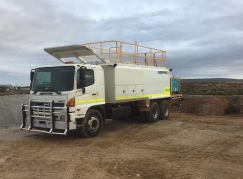 6000L HINO FM500 Service Truck 1