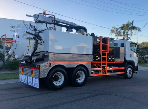 6000L Vac Truck 2