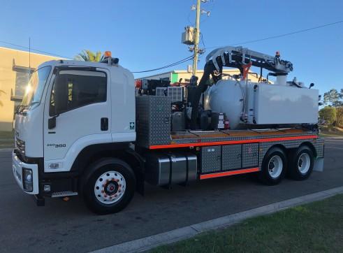 6000L Vac Truck 3