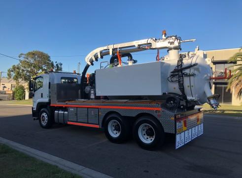 6000L Vac Truck 4