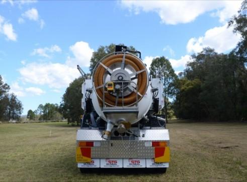 6000L Vacuum Excavation Truck 4