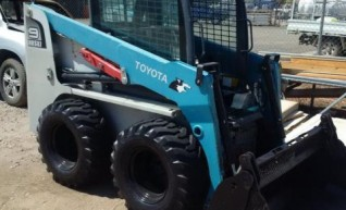 60HP Toyota 5SDK-9 Wheeled Skid Steer Loader 1