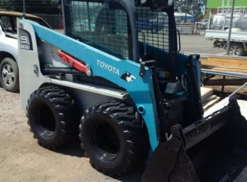 60HP Toyota 5SDK-9 Wheeled Skid Steer Loader