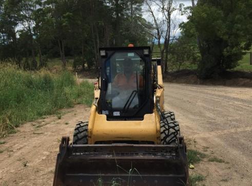 61HP Caterpillar Skid Steer - Wheeled 3