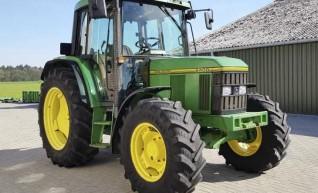 6400 John Deer Tractor 1