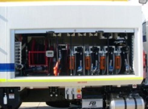 6500L Isuzu FVZ 1400 Service Truck 2