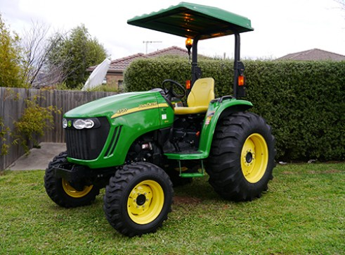 66HP John Deere 4720 Tractor with ROPS  1