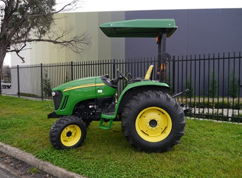 66HP JOhn Deere 4720 Tractor with ROPS  3