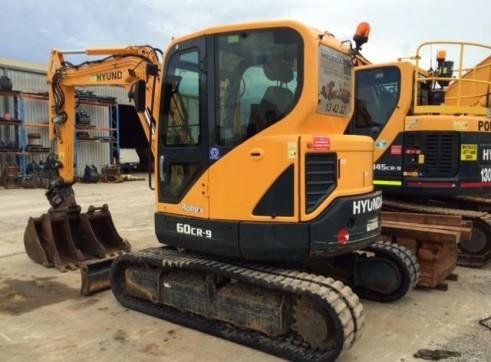 6T Excavator Hyundai R60CR-9 4