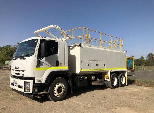 6x4 Service Truck 2