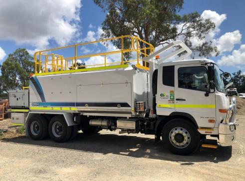 6x4 Service Truck 3
