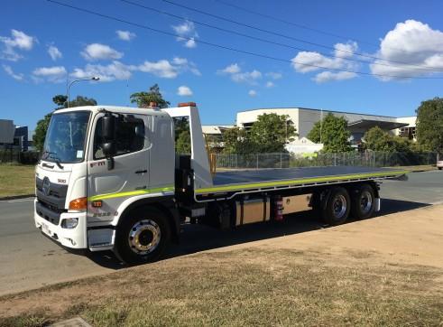 6x4 Tilt Tray Truck 1