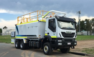 6x6 Fuel Truck - 1
