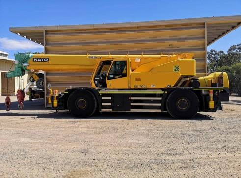 70 ton Kato SR700L Rough Terrain Crane 1