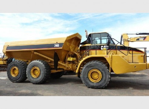 740 Articulated Moxy Dump Truck