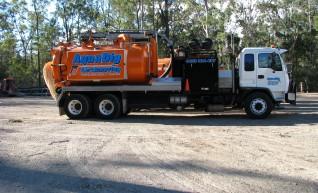 7500L Vacuum truck 1