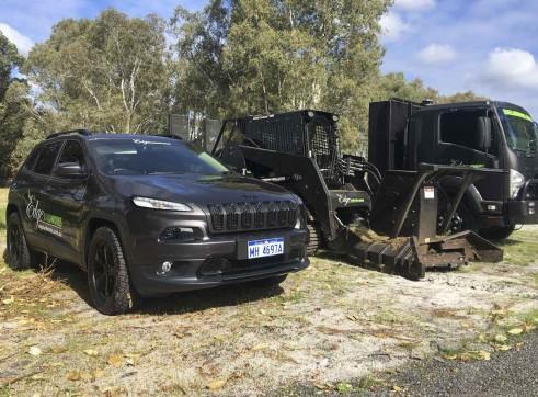 7T Beavertail Truck w/hydraulic ramps 4