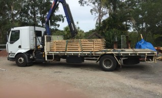 7T Front Mount Crane Truck w/6m tray 1