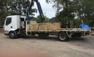 7T Front Mount Crane Truck w/6m tray 1