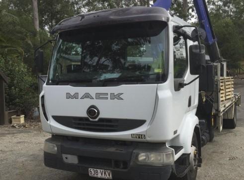 7T Front Mount Crane Truck w/6m tray 2
