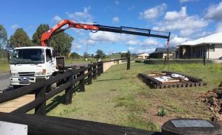 7T Front Mount Crane Truck w/9m tray 1