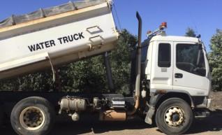 8,000L Isuzu Water Truck 1