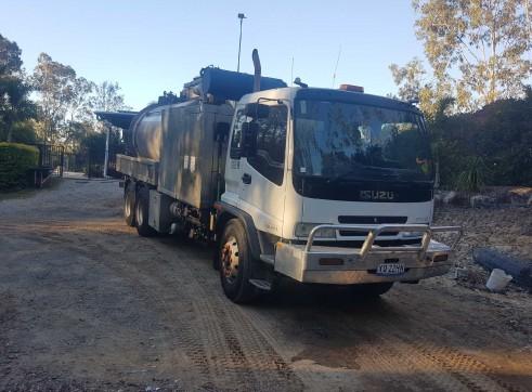 8000L Vacuum Excavation Truck 7