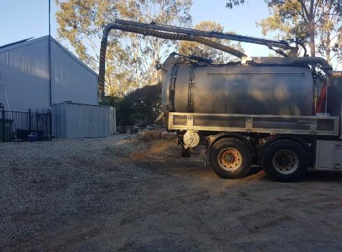 8000L Vacuum Excavation Truck 6