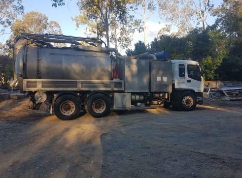 8000L Vacuum Excavation Truck 2