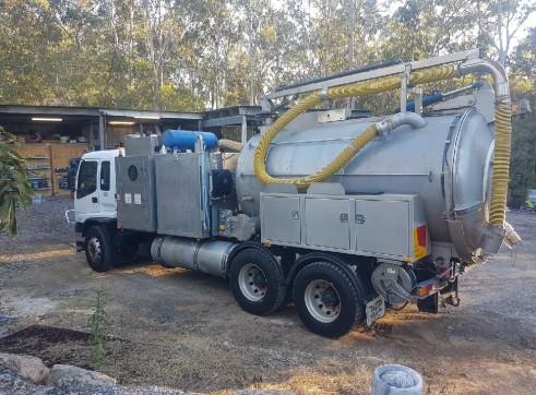 8000L Vacuum Excavation Truck 3