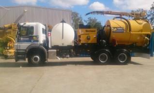 8000L Vacuum Excavation Trucks for Hire 1