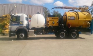 8000L Vacuum Excavation Trucks for Hire 1