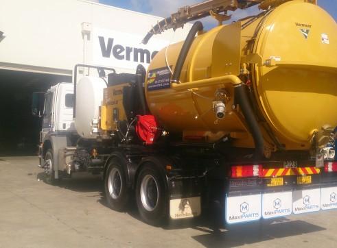 8000L Vacuum Excavation Trucks for Hire 2