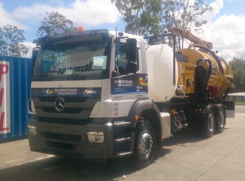 8000L Vacuum Excavation Trucks for Hire 3