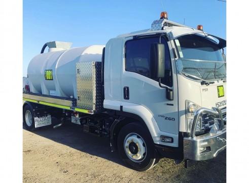 8000L Water Truck - ISUZU FSR 140/260