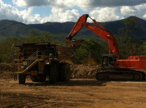 80T Hitachi Excavator 1