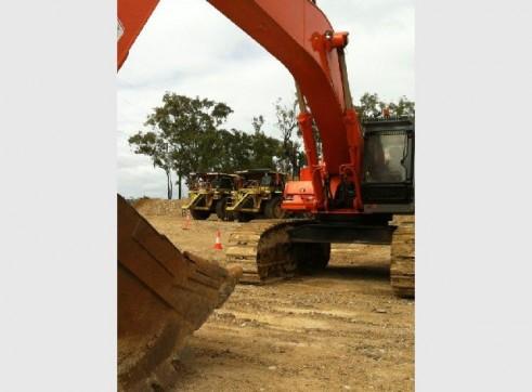 80T Hitachi Excavator 2