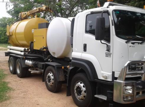 8300L Vermeer VSK2200 Vac Ex truck  1