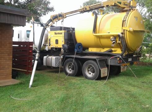 8300L Vermeer VSK2200 Vac Ex truck  2