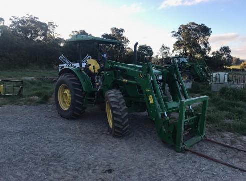 85HP John Deere Tractor w/front end loader 3