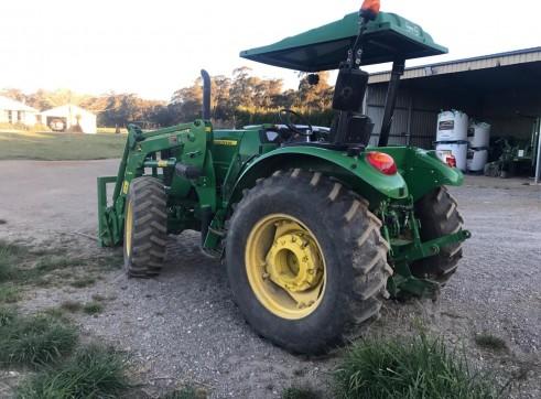 85HP John Deere Tractor w/front end loader 2