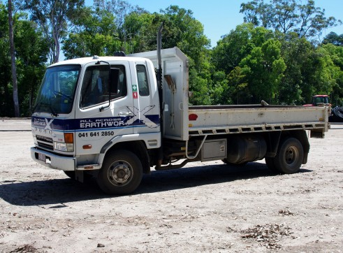 8m Tipper - single axle 2