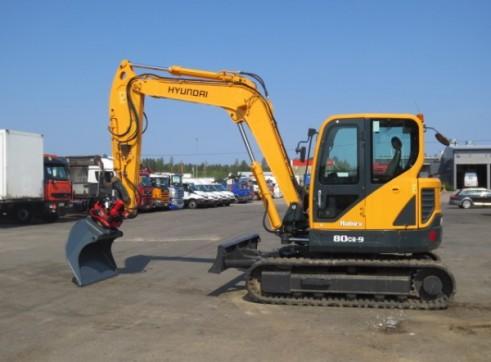 8T Excavator Hyundai R80CR-9 2