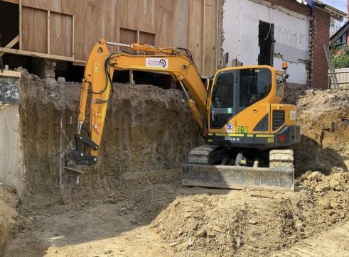 8T Hyundai R80cr-9 Excavator