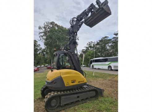 8T Mecalac MCR Excavator / Skidsteer