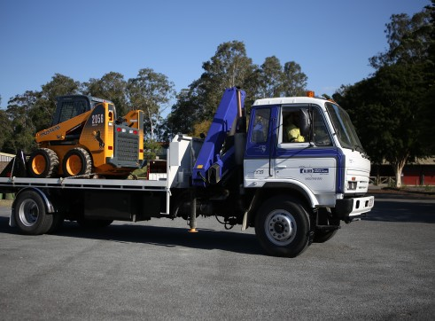 8T Tilt Tray/crane truck 1