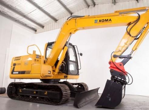 8T XG809E Excavator 3