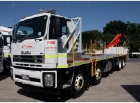 8x4 3⁄4 Cab Flatbed Crane Truck