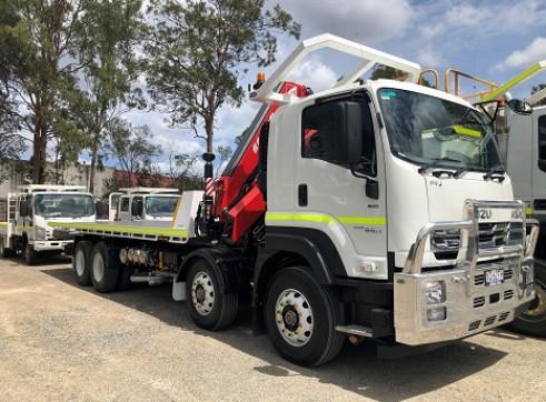 8x4 Crane / Tilt Tray Combo Truck 1